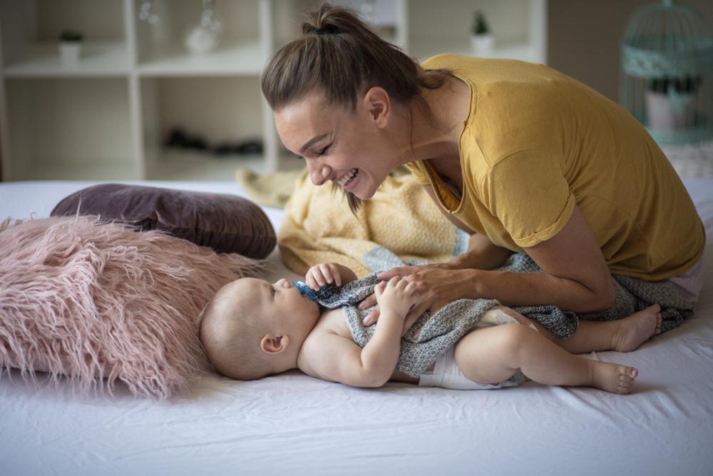 cura e attenzioni per il neonato